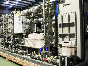 Combined sewage treatment plant for navy ship